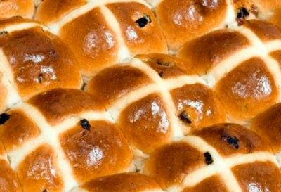Traditional Hot Cross Buns - 12 Snack Ssize
